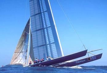 Catamaran_stars_and_stripes_kz1_pep