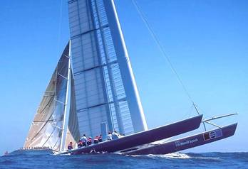 Catamaran_stars_and_stripes_kz1_pep